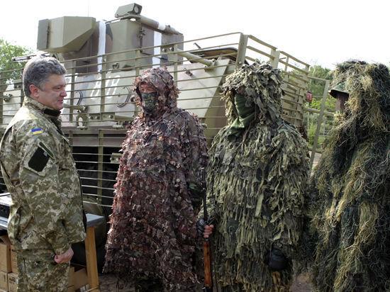 Порошенко пообещал уничтожить сотню ополченцев за каждого убитого силовика