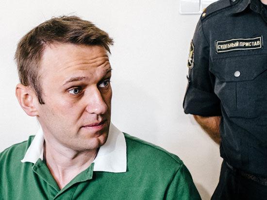 В деле «Ив Роше» Алексея Навального вместо ущерба нашли татуировку в виде коловрата