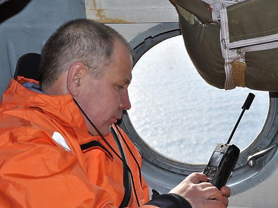 У судна, эвакуирующего спасенных моряков траулера, случилась поломка двигателя