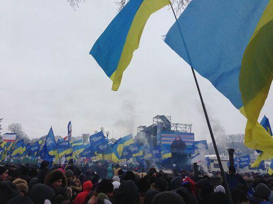 Кличко побеждает на выборах и разгоняет Майдан