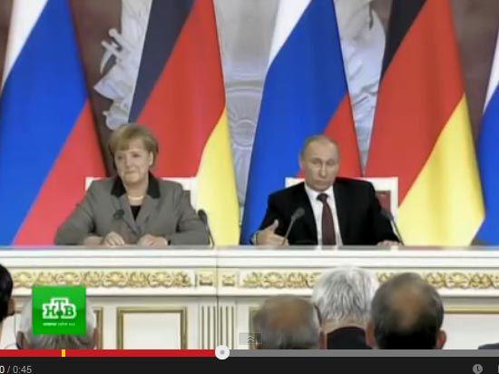 Меркель попросила Путина посодействовать освобождению наблюдателей ОБСЕ на Украине