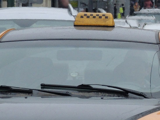 Даже за решеткой сумели «отыскать» насильника-таксиста его жертвы