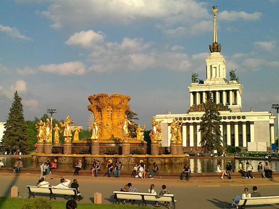Москва потонет в звуковых волнах