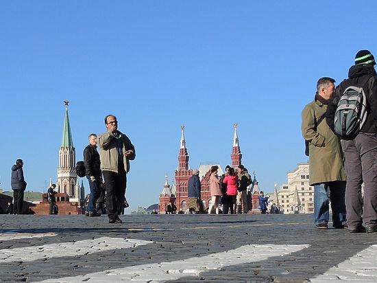 Задержанный на Красной площади угонщик эвакуатора козырял связями в Кремле