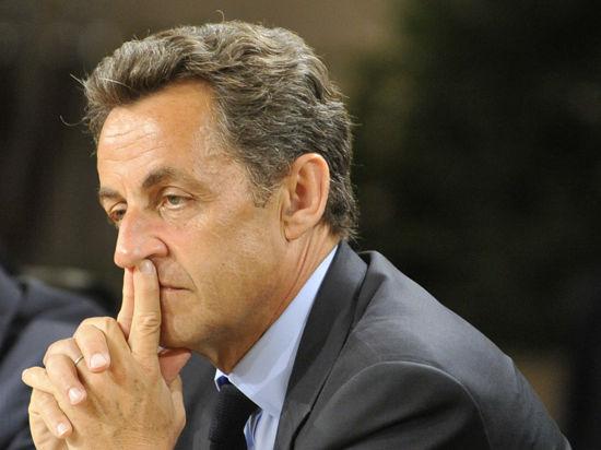 Саркози помещен под стражу