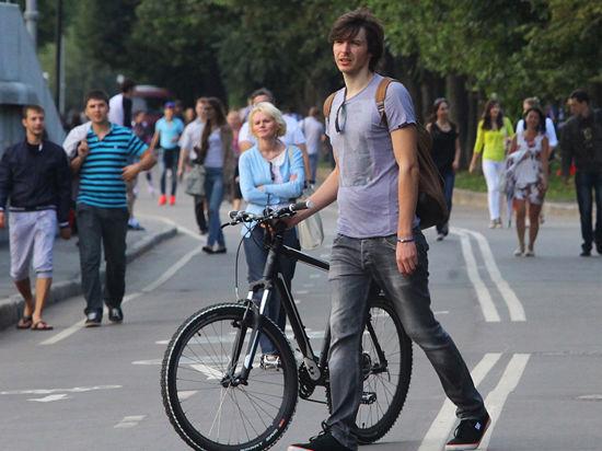 Велодорожки станут подмигивать водителям желтым