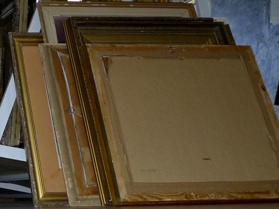 Картины помогли воришке своими размерами