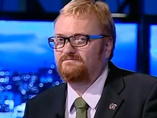 Милонов за «гада и жука» выплатит 25 тысяч рублей