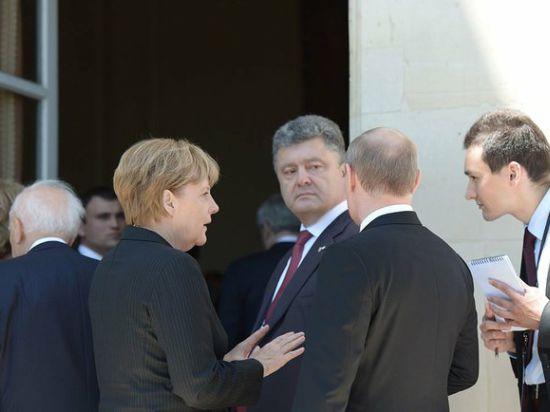 Порошенко рассказал Путину, как остановить кровопролитие на востоке