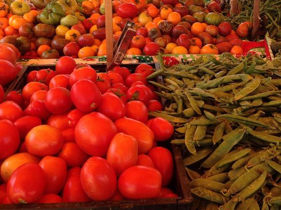 Россельхознадзор запретил Украине ввозить овощи и фрукты, обвинив в незаконном реэкспорте