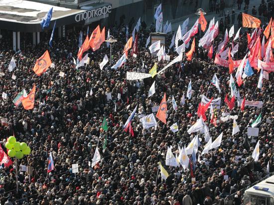 Прогноз на новый политический сезон в России: выборы, Украина, рост протеста