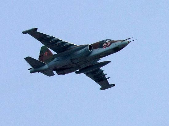 Военный Су-25 упал в аэропорту Днепропетровска