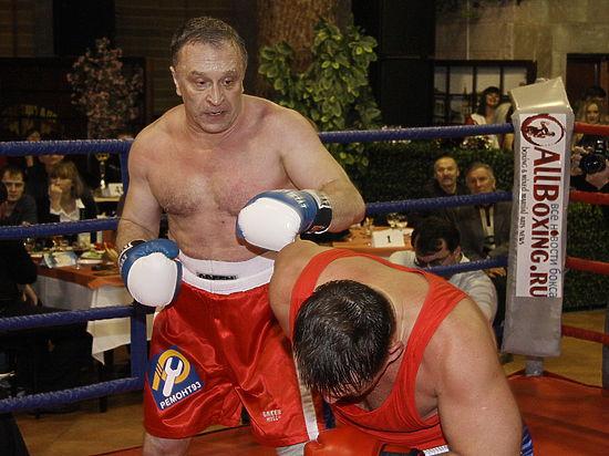 Микки Рурк запросил миллион долларов за бой с журналистом «МК» в Челябинске»
