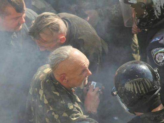Столкновения националистов у Верховной Рады. Онлайн-трансляция