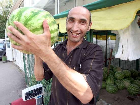 В Москве предполагают продать 10 миллионов арбузов