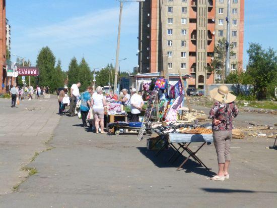 Почти все незаконные уличные рынки в Петрозаводск принадлежат одному бизнесмену