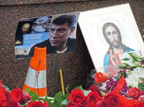 Москва простилась с Немцовым: очередь растянулась от Сахаровского центра до Курского вокзала
