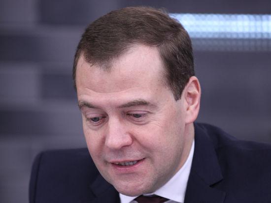 Единороссы успокоили Медведева