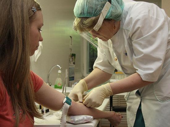 Челябинцев продолжают бесплатно вакцинировать от гриппа