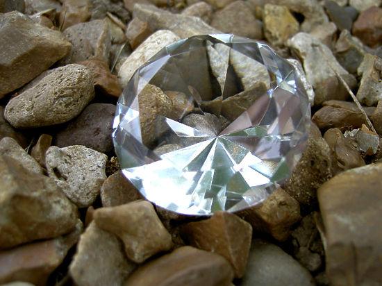 Геофизики научились превращать в алмазы обычное арахисовое масло