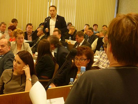 Сразу несколько резонансных законопроектов депутаты Петросовета отклонили
