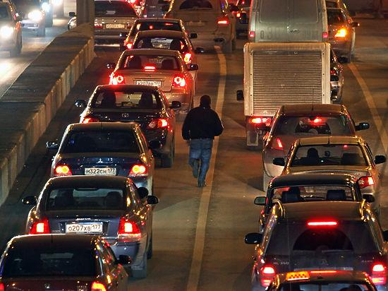 Эксперты прогнозируют самую тяжелую предпраздничную дорожную ситуацию в Москве за последние пять лет