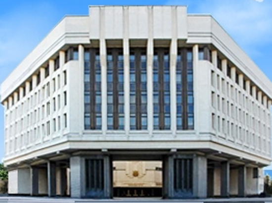 Крымские чиновники не смогли избавиться от украинского гражданства и счетов в банках Незалежной