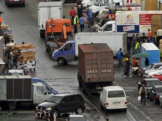 МВД предлагает вернуть грузовикам право проезда к магазинам
