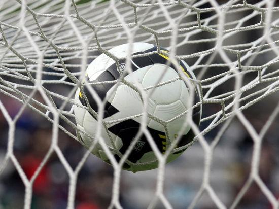 В Бразилии футбольные мячи делают в тюрьмах
