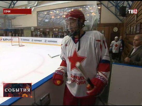 Путин вышел на лед с новым главой КХЛ Чернышенко и Шойгу