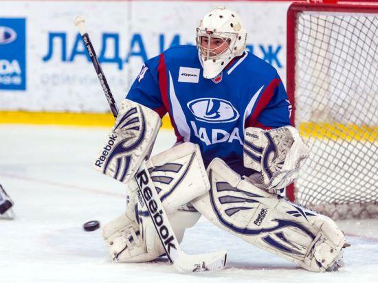 Тольяттинский клуб получил двоих хоккеистов у екатеринбуржцев
