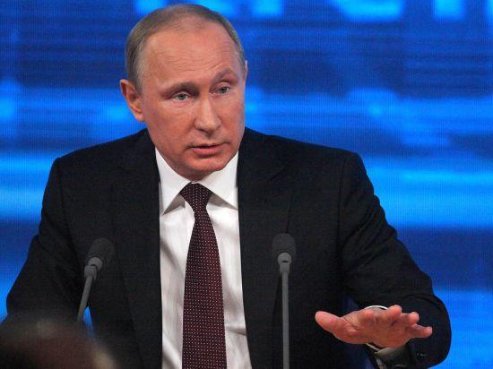 Путин попросил Совфед запретить ему использовать войска на Украине
