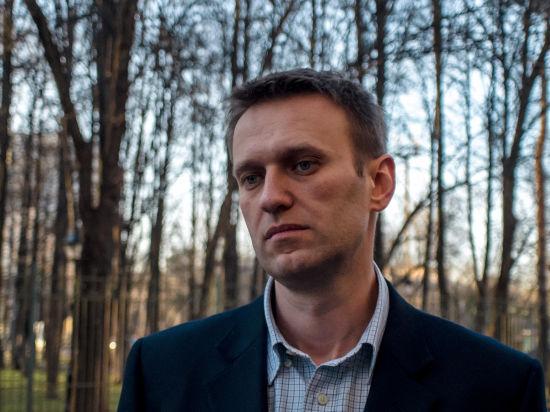 В целях исправления: Навальному продлили испытательный срок по условному приговору