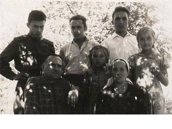 Прадед был на фронте, семья - в оккупации