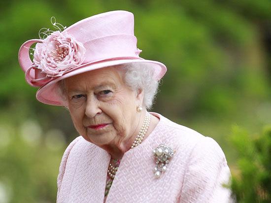Королева Великобритании впервые лишила офицера ордена за мужество