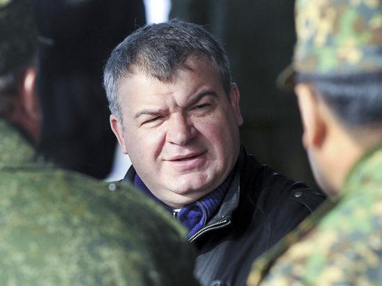 Адвокат Сердюкова опроверг сообщения СМИ о закрытии его дела