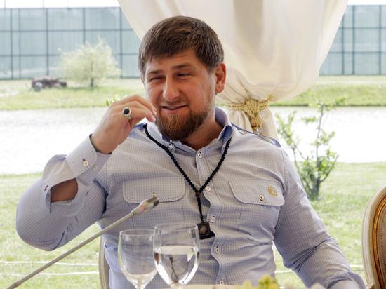 Щедрый болельщик Рамзан Кадыров подарил футболистам по 10 тысяч долларов