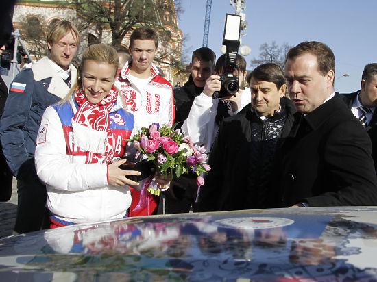 Из машины олимпийского чемпиона Сочи Соловьева украли коньки