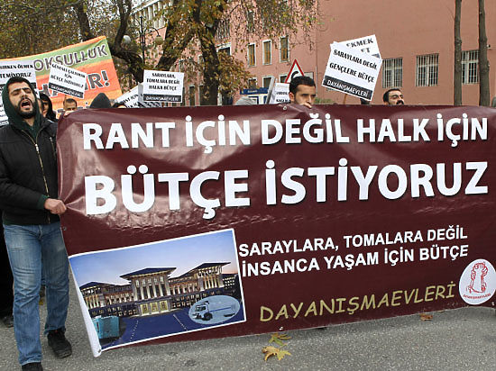 Президент Эрдоган пытается лишить своего противника поддержки в прессе