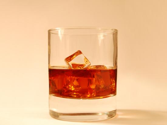 Роспотребнадзор решил проверить американский виски