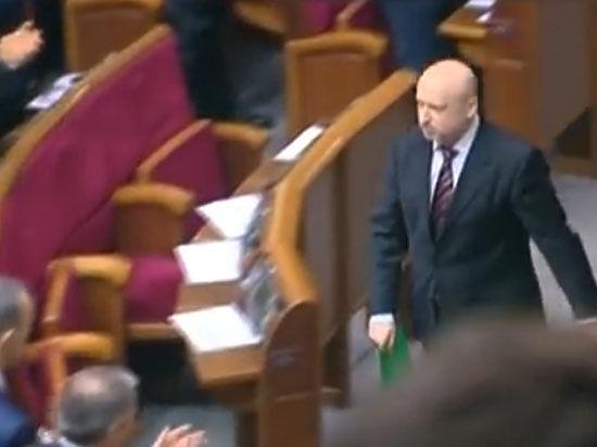 Верховная рада открыла Украине путь в НАТО на фоне побоища под стенами парламента