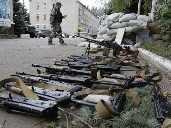 Бой за Луганск: ополченцы окружили аэропорт, расстреляли колонну и подорвали мост