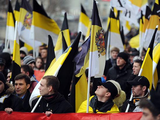 Госдума отказала депутату Дегтяреву в замене флага России на черно-желто-белый