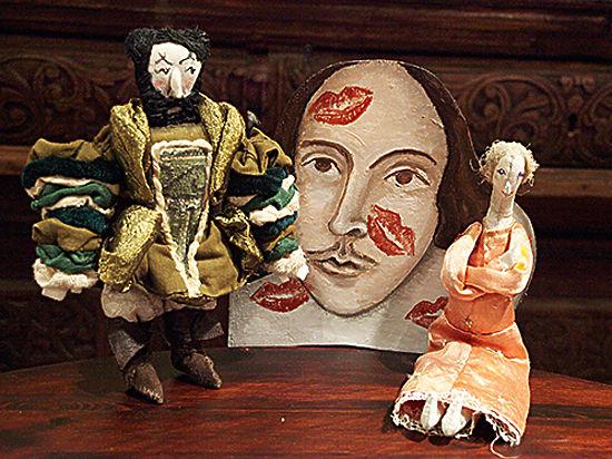 Шекспира сыграли в старинном буфете