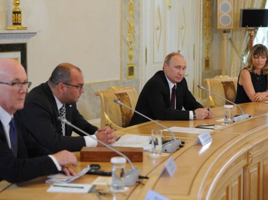 Путин готов к общению с коллегами в Нормандии