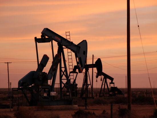 Цены на нефть в Европе повторили антирекорд четырехлетней давности
