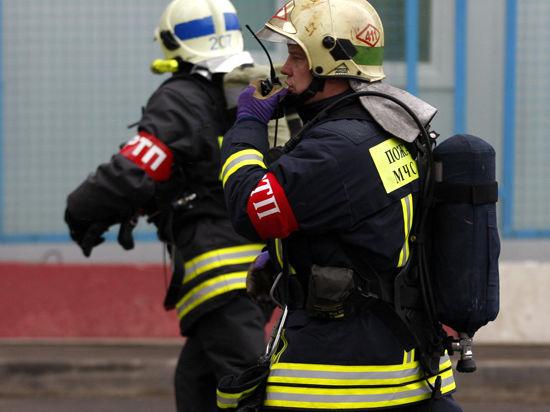 В центре Петербурга загорелся знаменитый Апраксин двор