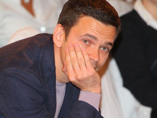 Ильей Яшиным интересуется ГП РФ из-за драки в баре с помощником экс-губернатора