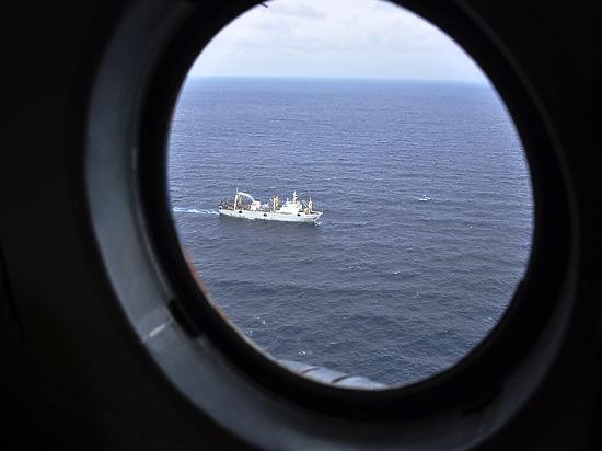 Эксперт: причиной крушения траулера в Охотском море могла стать подлодка