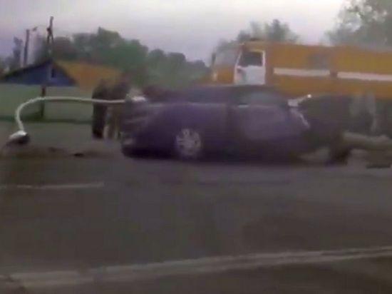 Александр Емельяненко попал в аварию: бетонный столб рухнул на машину спортсмена